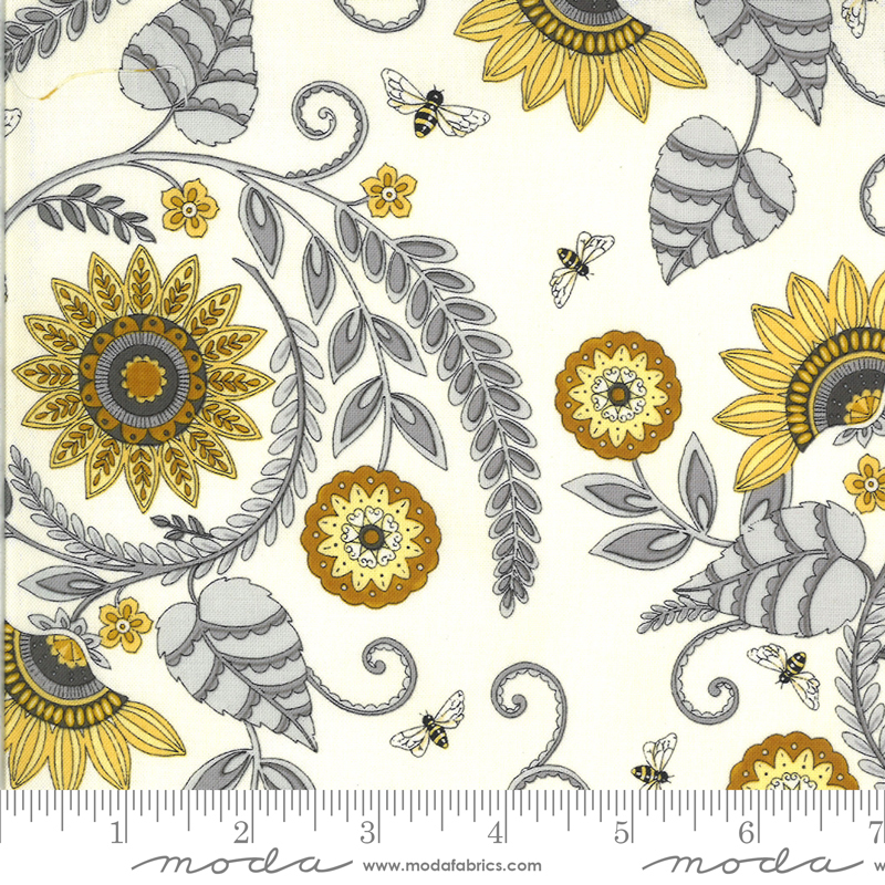 Moda, Bee Grateful, Sunflower Garden, Parchment
