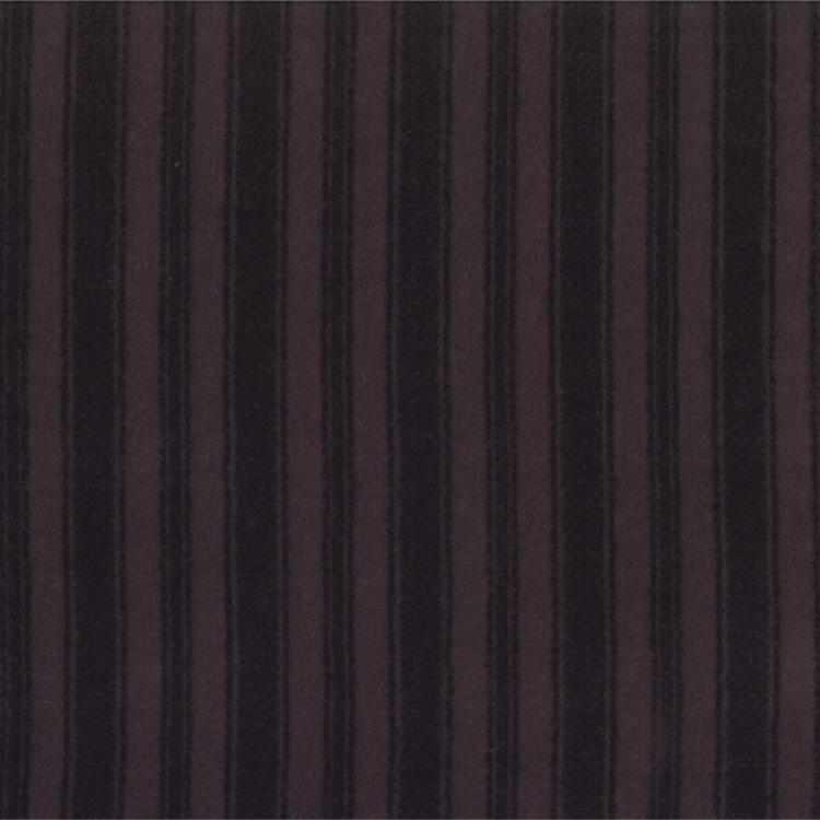 Wool Needle II            Black