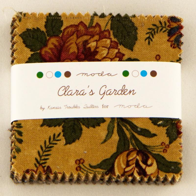 Claras Garden Mini Charm