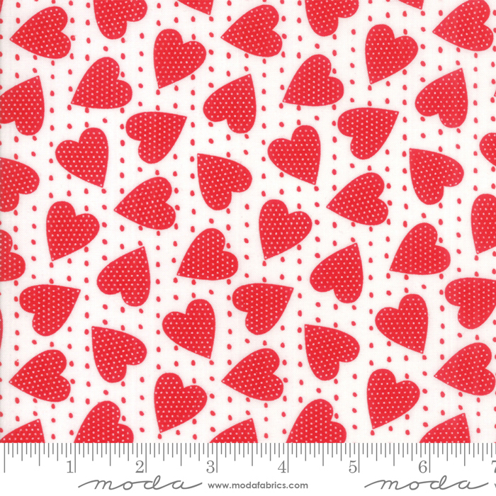 REDICULOUSLY IN LOVE WHITE WITH SPOTTED HEARTS 22366-12