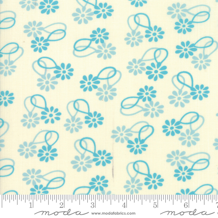 Cheeky Daisy Chain Blue Raspberry by Urban Chiks for Moda