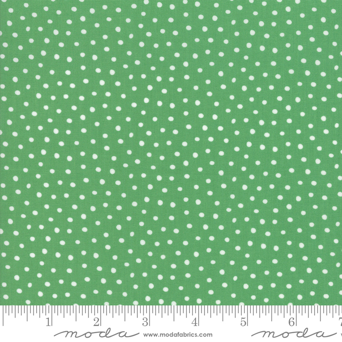 20637 17 Snow Day Snow Dots Kelly Green Moda