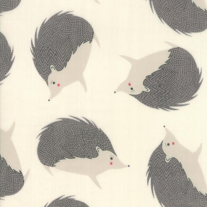 60 Bramble Double Gauze Cream Hedgehogs
