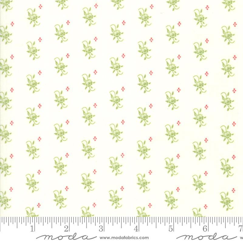 Christmas Figs II Snowflake Hol -White w/ small green flower