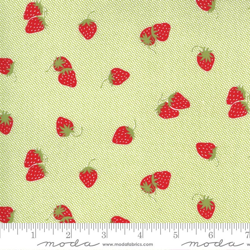 55223-19 Sunday Stroll / Strawberries - Green