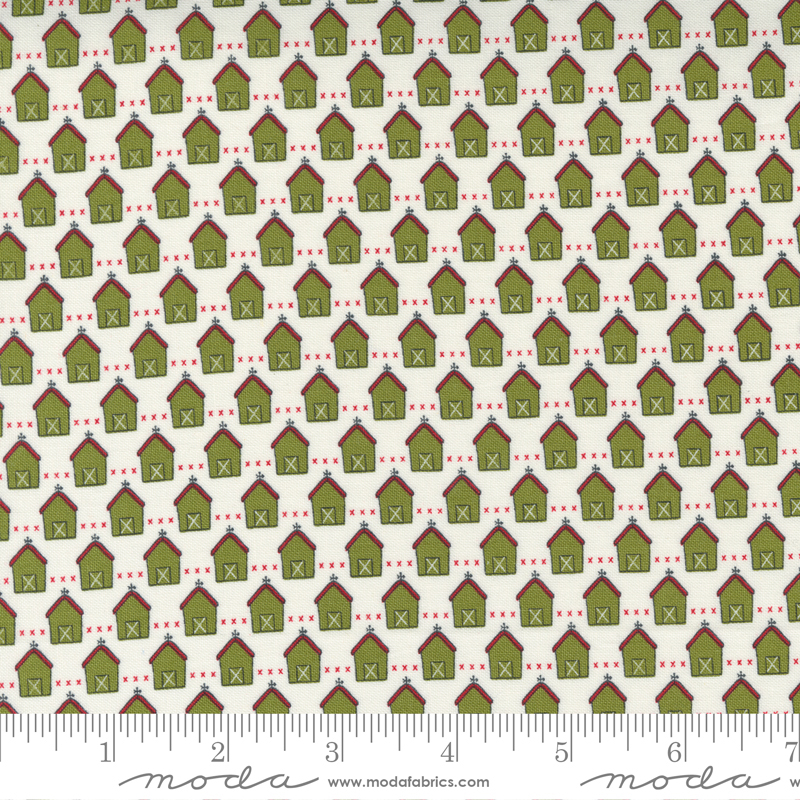 55532 24 Red Barn Christmas Green Vanilla