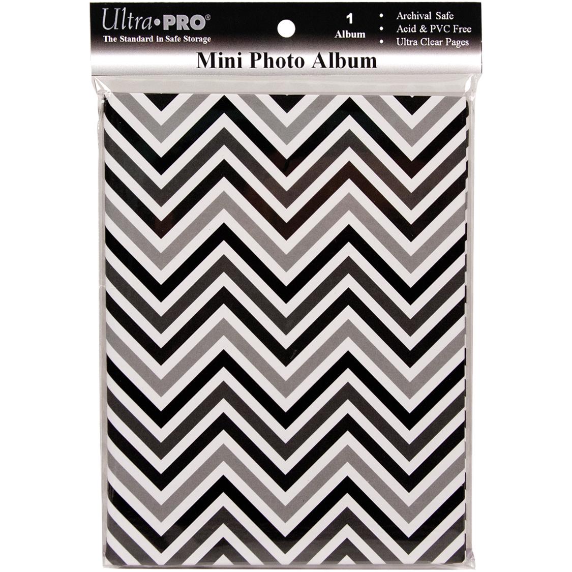 Ultra Pro Mini Photo Album 4X6 -Chevron Black & White