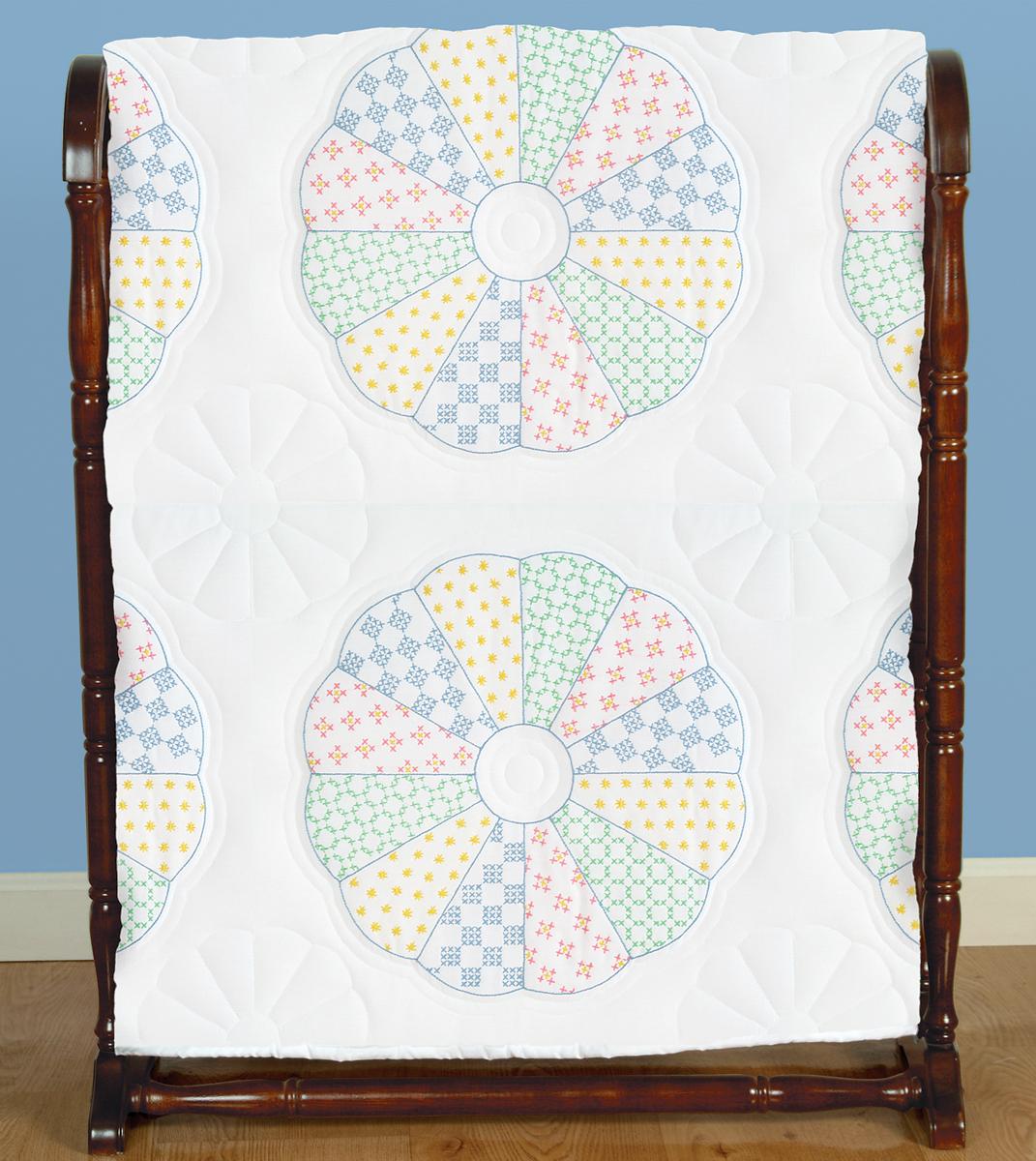 Stamped Embroidery Blocks - 18in - Interlocking Dresden Circle
