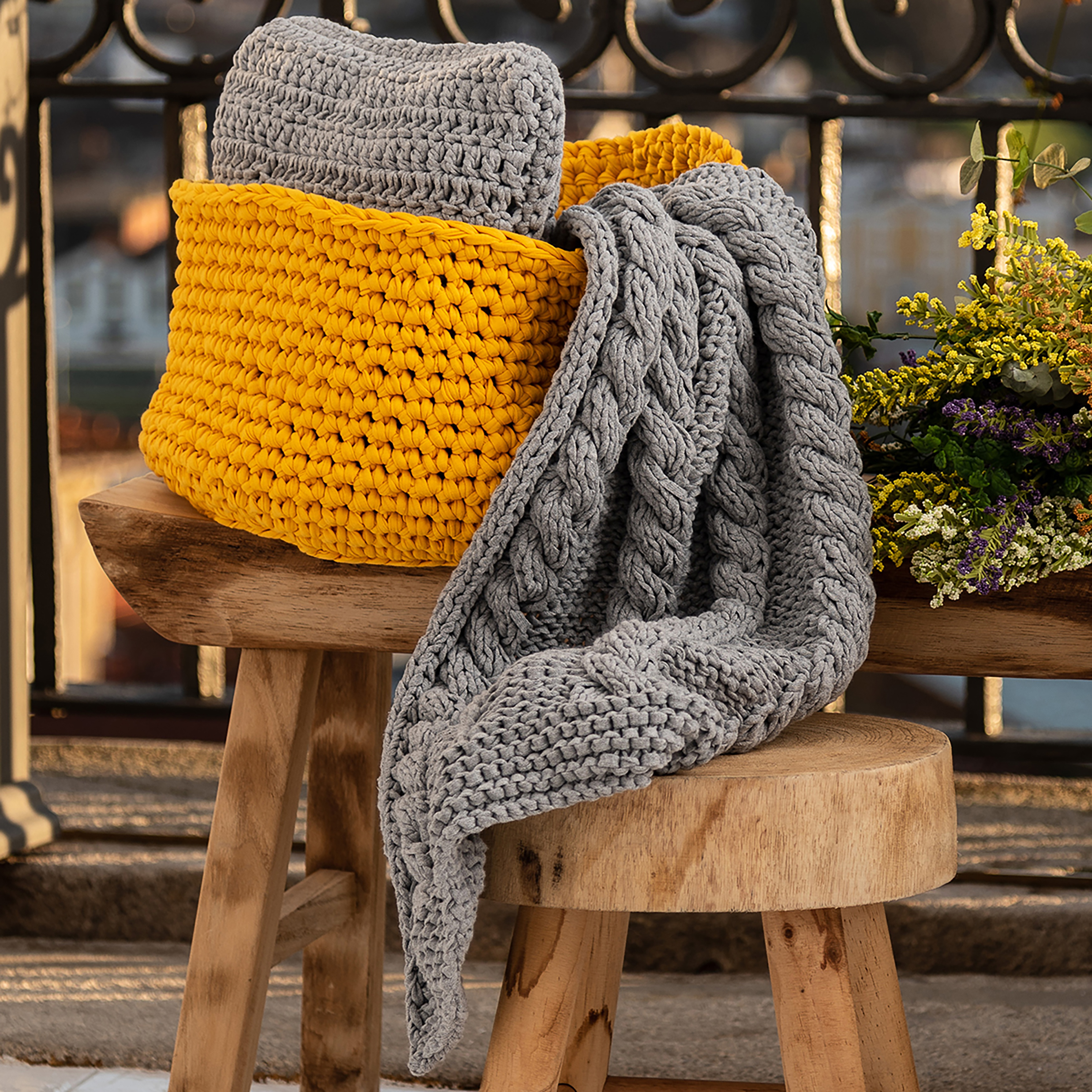 Hoooked Knit Cable Throw Kit