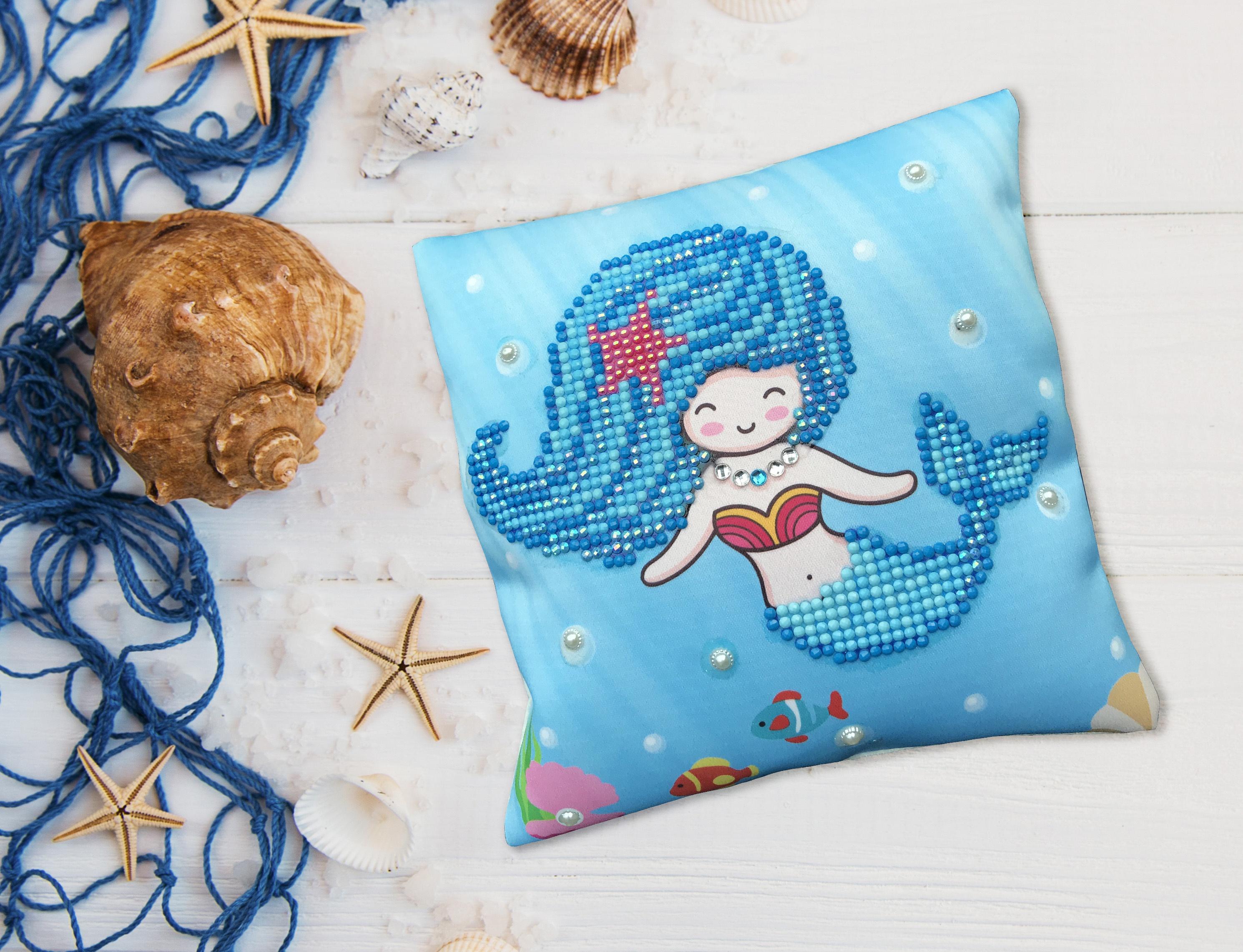 Diamond Dotz Diamond Embroidery Mini Pillows 7X7-Pearl Swimmer