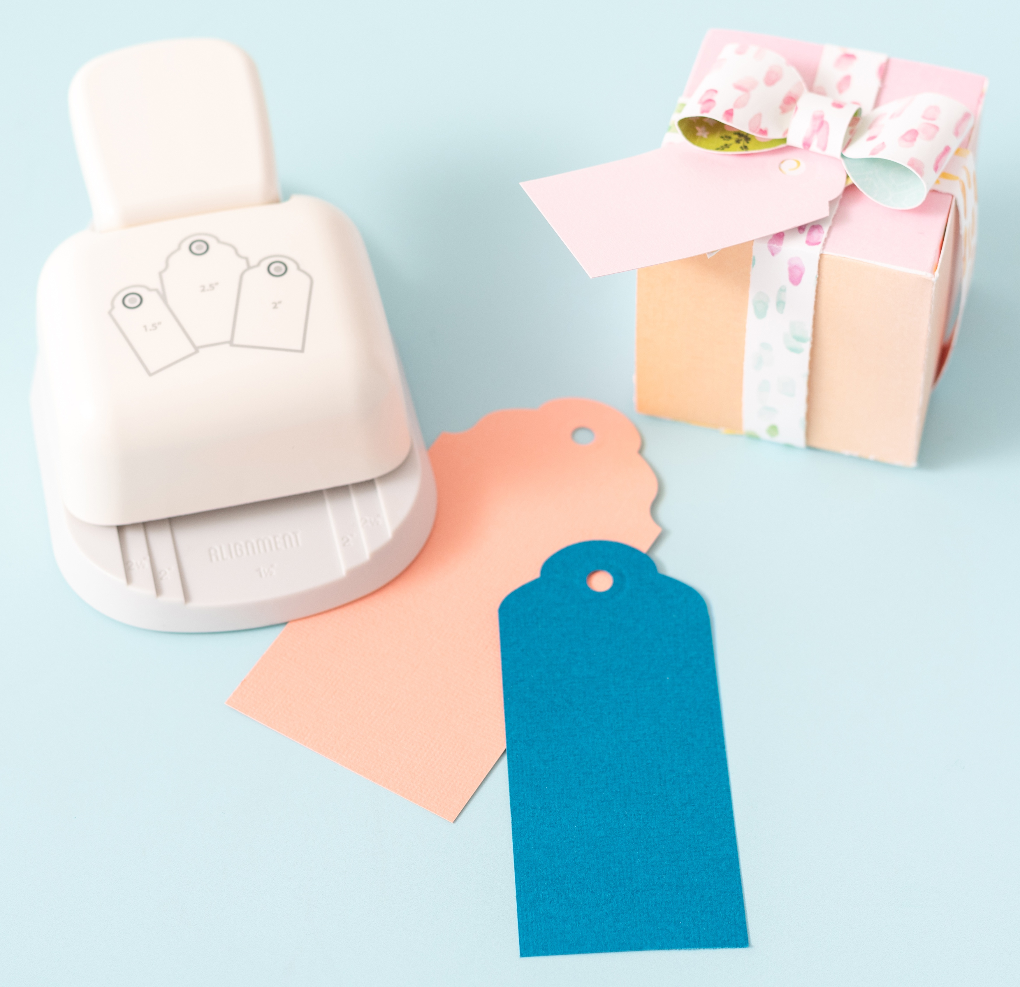 We R Memory Keepers 3-In-1 Punch-Rounded Tag