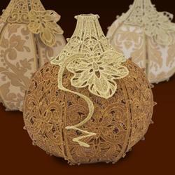 Freestanding Pumpkin Patch: Harvest Time