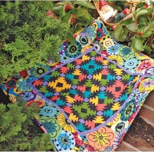 Cut Loose Press - Petite Pineapple Garden Quilt Pattern CLPJAW047 - Quilt in a D...