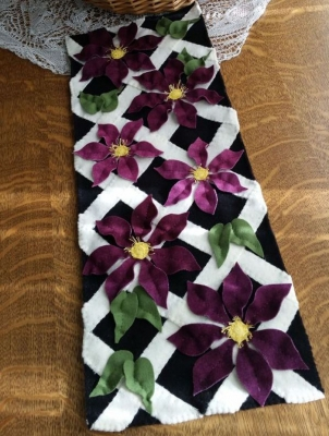 Climbing Clematis Penny Rug