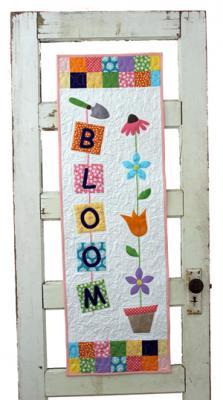 Bloom Door/Wall Hanging Pattern SLQ-104/Stringtown Lane Quilts, Heather Kidd 16 x 50