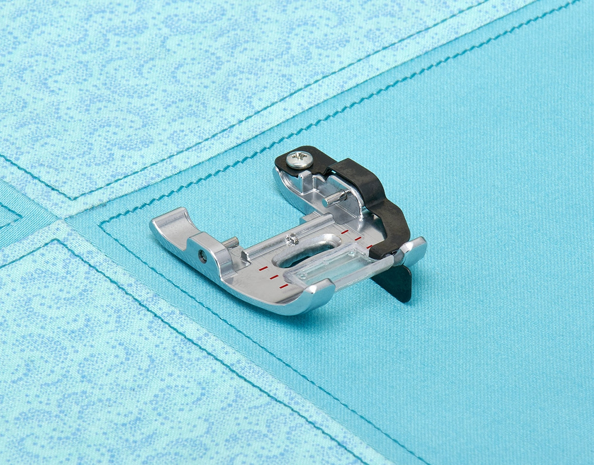 Babylock 1/4 IN Sole with guide for Digital Dual-Feed Foot   BLDY-QFDF
